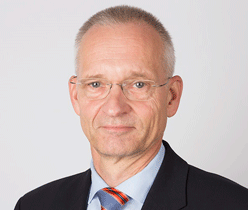 Dr.Wolfgang Schönfelder